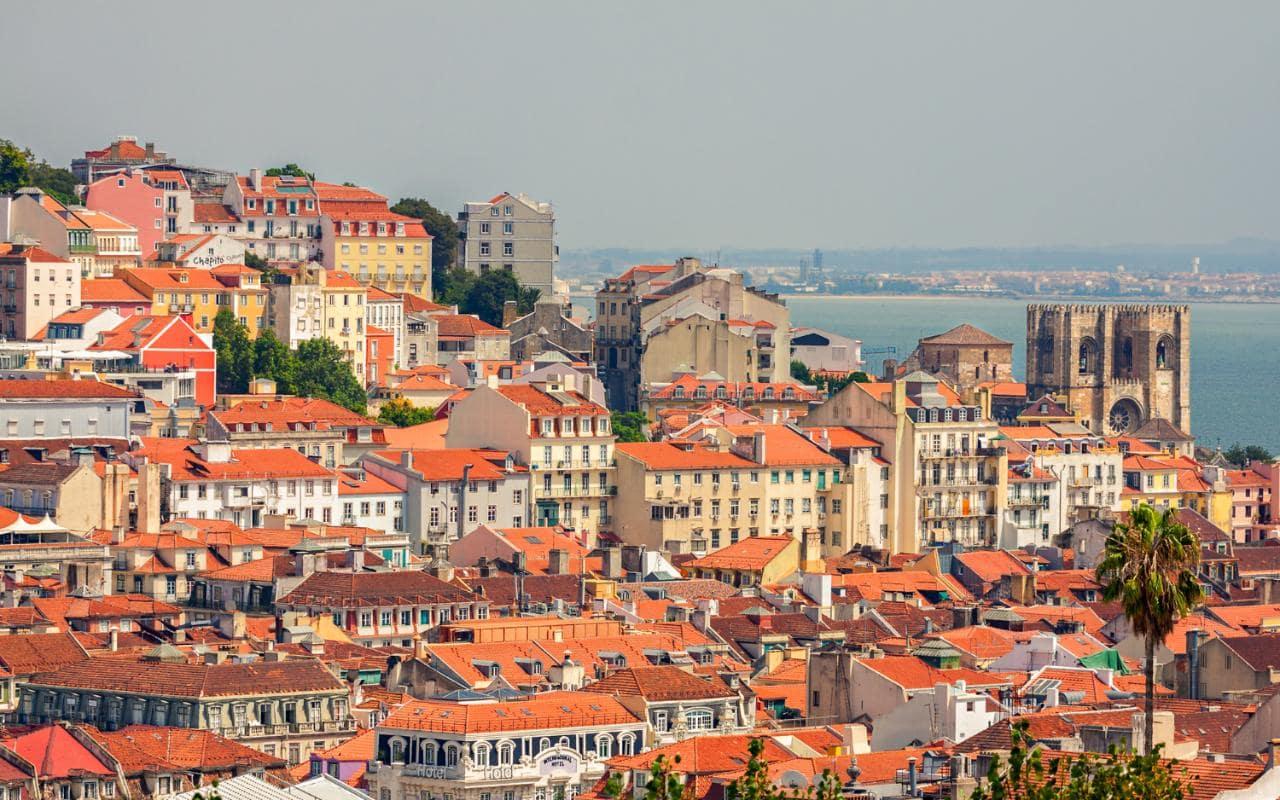 lisbon-overview-cityscape-xlarge